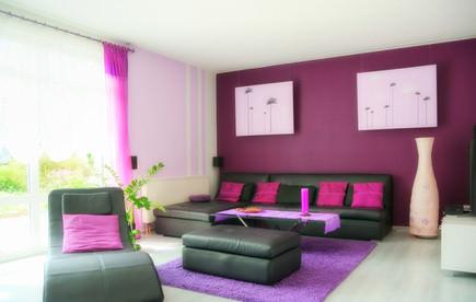 farben in der wohnung - trends & anregungen - Wohnzimmer Grau Beere