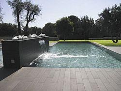 eingebautes-schwimmbecken